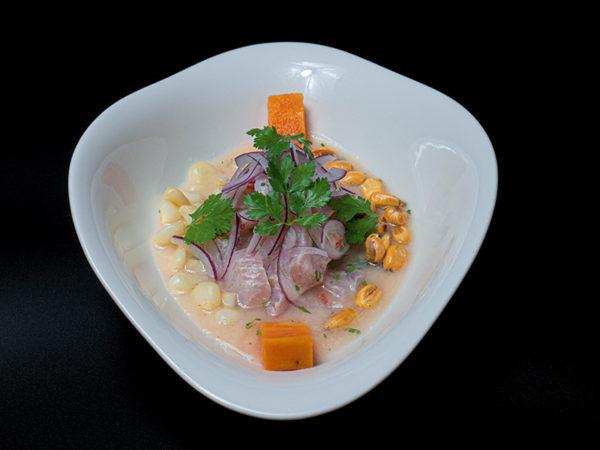 Ceviche clásico. Restaurante peruano Inti de Oro Castellana.