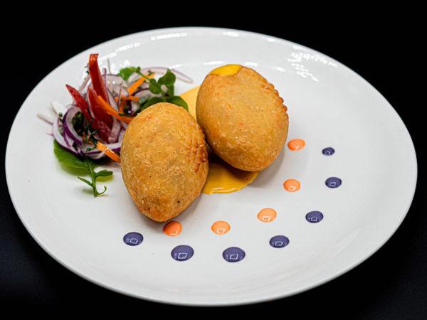 Papitas rellenas. Restaurante peruano Inti de Oro Castellana.